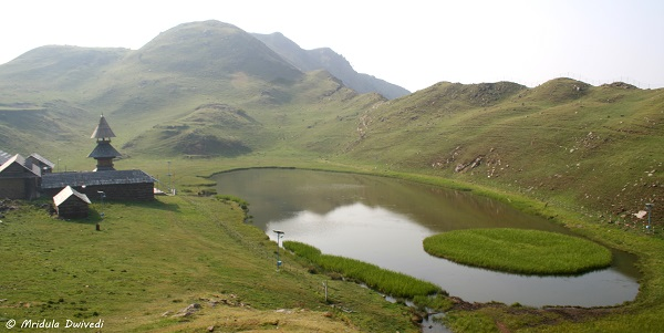 prashar-lake-near-mandi