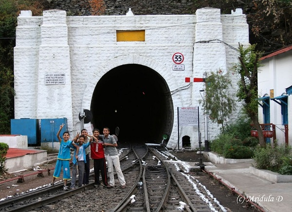 kids-barog-tunnel