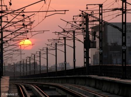 Sunset along the Delhi Metro Station
