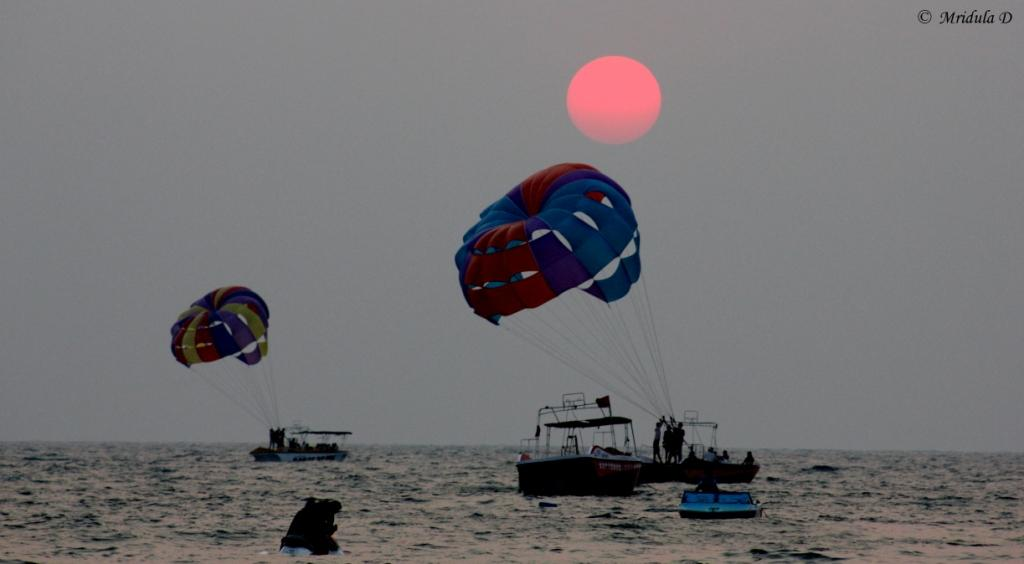 Para-sailing at Sunset, Bagha Beach, Goa