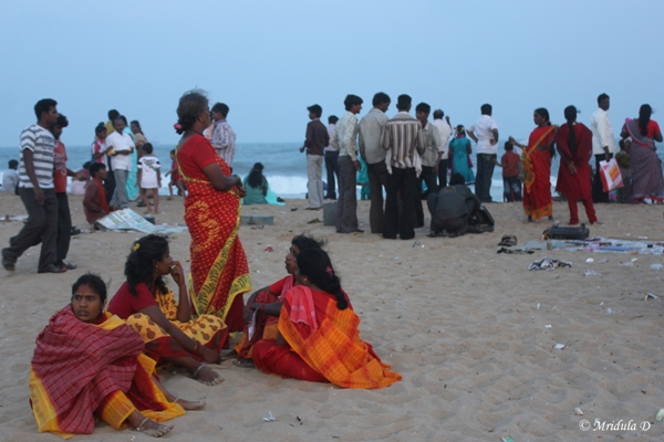 People at the Marina Beach, Chennai