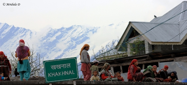 Women at Khakhnal, Himachal Pradesh