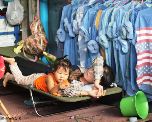 Mom is Asleep, Rong Kluea Market, Thailand