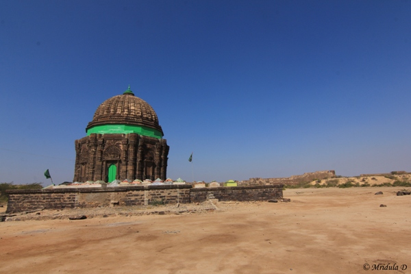 The Tomb of Gosh Mohammad, Lakhpat