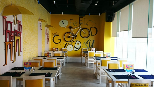 Re Cafe and Bar, Ambiance Mall, Vasant Kunj
