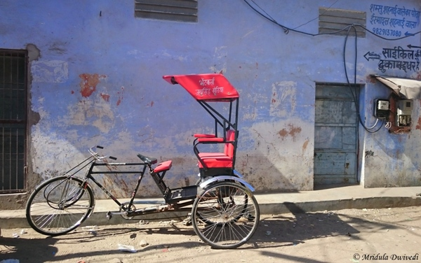 A Rickshaw in a Narrow Lane, Jaipur