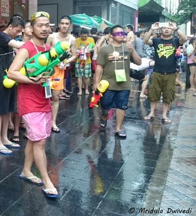 cell-phone-pouches-songkran