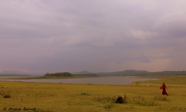 evening-walk-harangi-backwaters