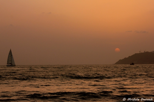 sunset-miramar-beach-goa