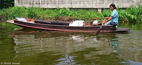local-boat-bangkok-canal-tour
