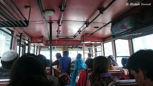 local-bus-manali-journey