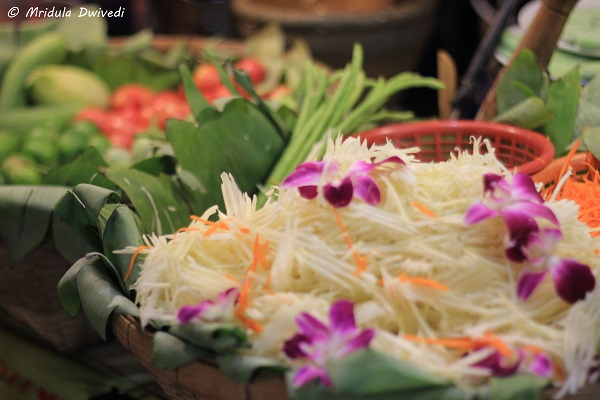 papaya-salad-asiatique-the-riverfront