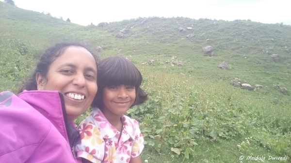 trekking-with-my-daughter-chhavi