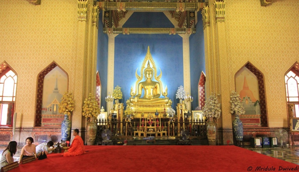 prayer-hall-marble-temple-bangkok