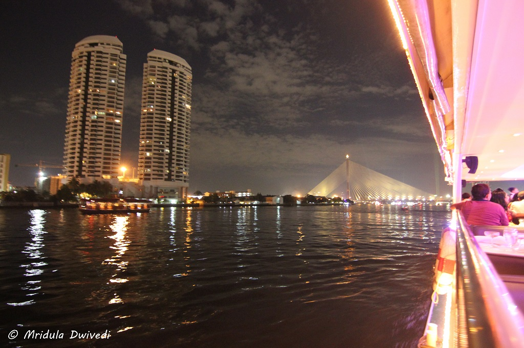 dinner-cruise-chao-phraya-river