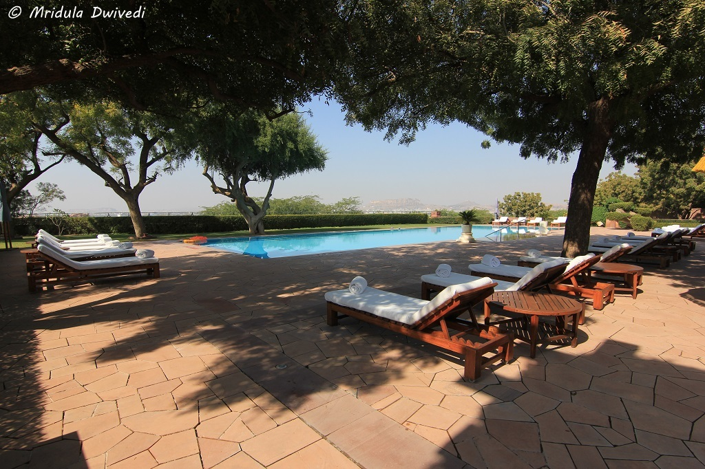 outdoor-swimming-pool-umaid-bhawan-palace