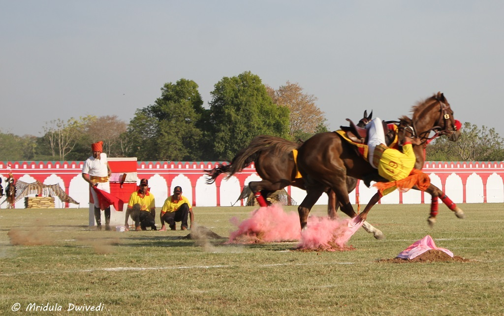 horse-riding-indian-army