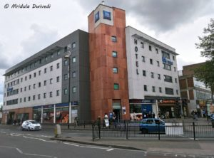 ibis budget hotel london hounslow is close to the tube