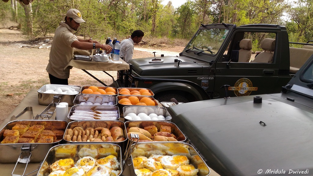 breakfast-pench-national-park