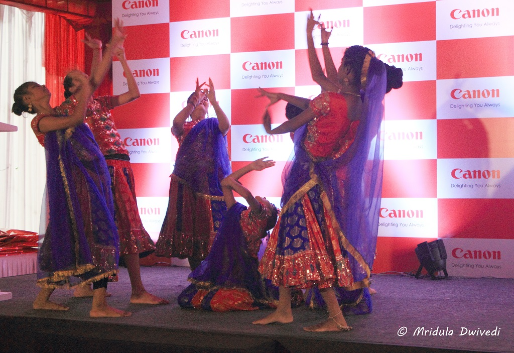 canon-dance-sos-village
