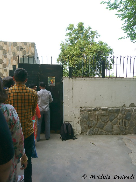 queue-philippines-embassy-new-delhi