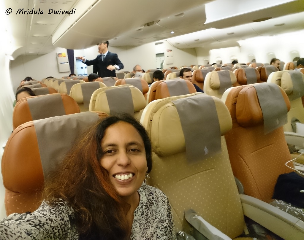 a-380-singapore-airline-selfie