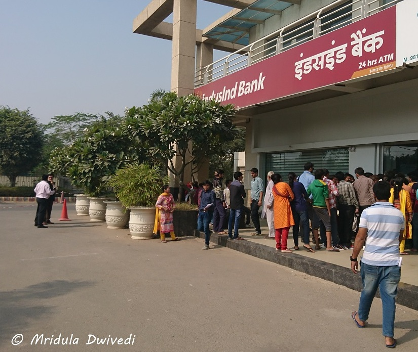 queue-indusind-bank-gurgaon