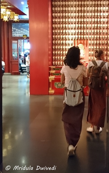 temple-dress-code-women-singapore