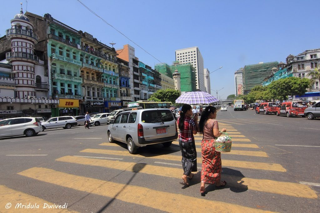 yangon-women-dress