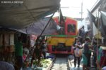 photography-tips-maeklong-railway-market
