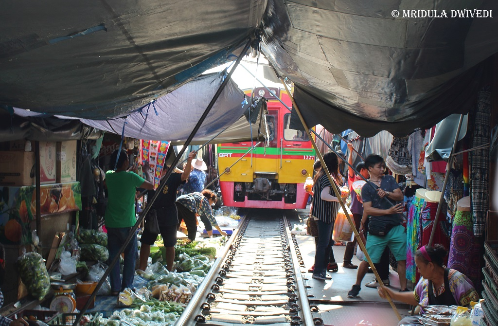 train-market-near-bangkok