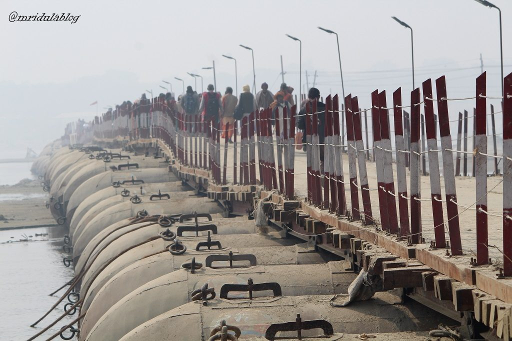 pontoon bridge kumbh mela